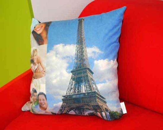 collage foto su cuscino
