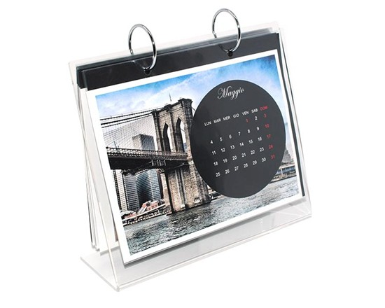 calendario in plexiglass con cerchio nero